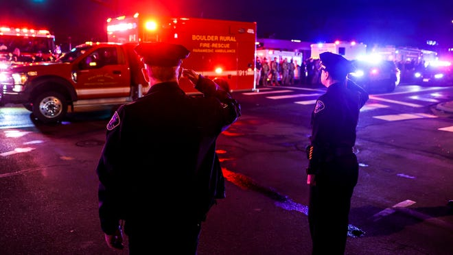 10 killed, including one police officer