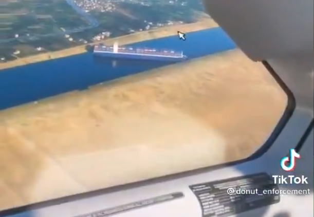 Cargo ship stuck in Suez Canal shows up in a 'Microsoft Flight Simulator' fly-by