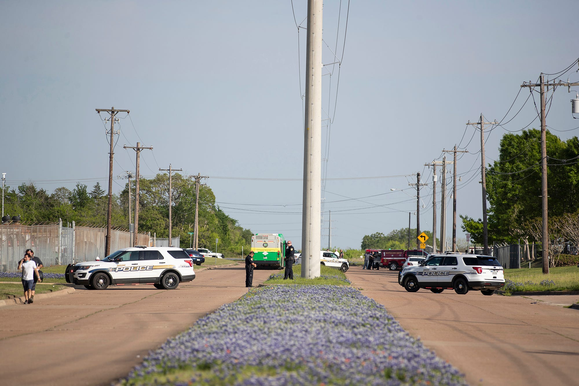 Texas shooting at Kent Moore Cabinets in Bryan: 1 dead, 5 injured
