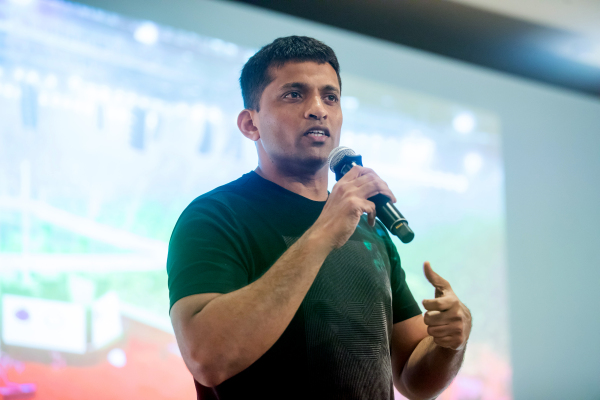 Byju's acquires Indian tutor Aakash for nearly $1 billion – TechCrunch