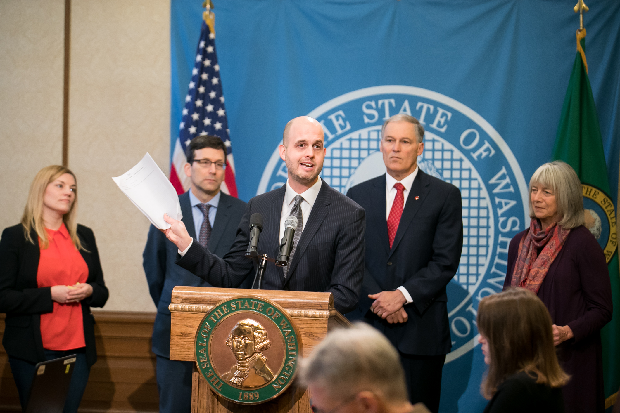 Washington state governor expected to sign new bill ending prohibition on municipal broadband