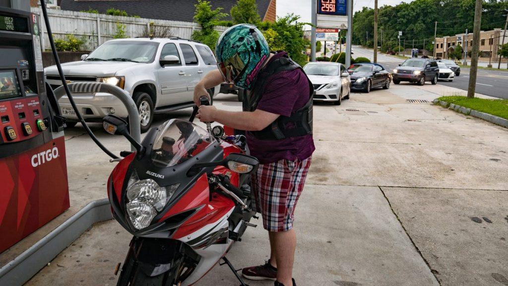 Colonial Pipeline shutdown brings long lines, big waits at gas stations