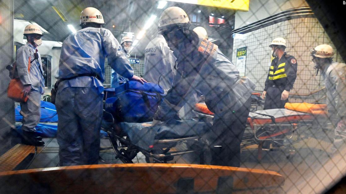 10 passengers stabbed on Tokyo train