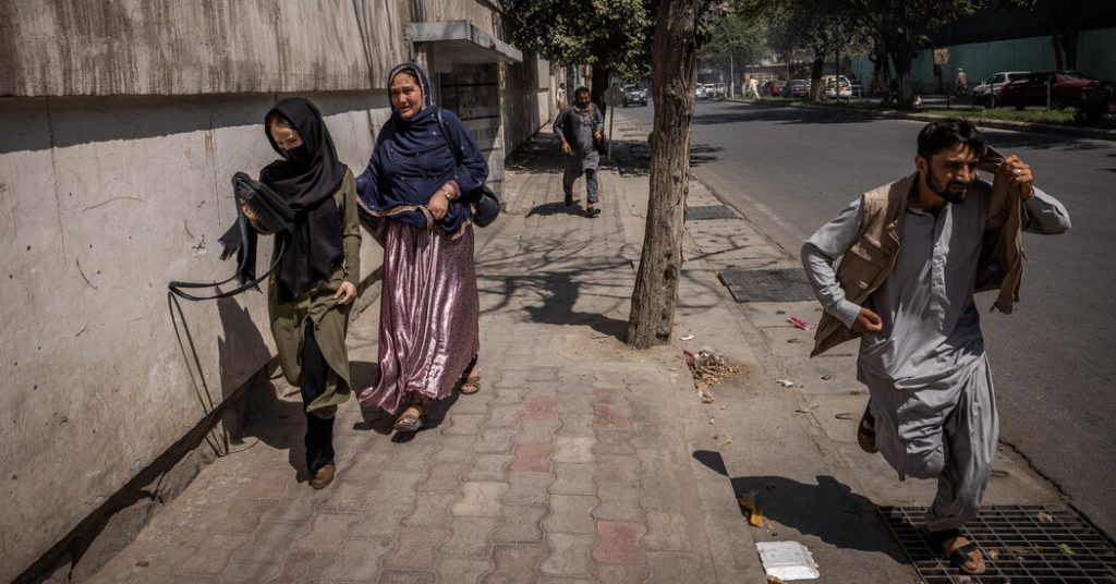 Defying Threat of Violence, Women Join in Protest Against the Taliban